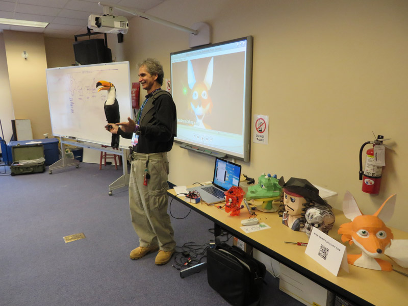 Teaching STEM / STEAM Animatronics Workshop at Otronicon